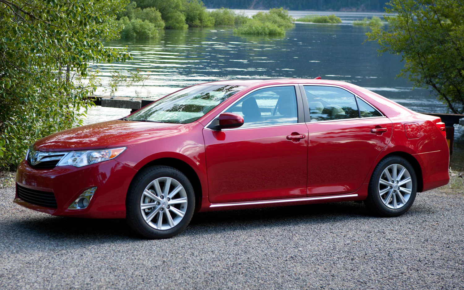 2014-Camry-lead-2