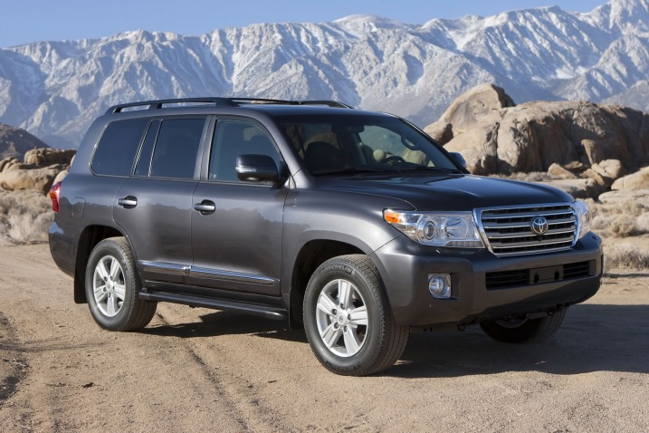 2013_toyota_land-cruiser_4dr-suv_base_fq_oem_1_717
